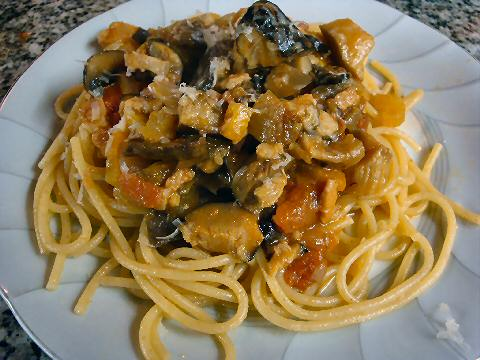 Linguini with mixed mushroom ragu