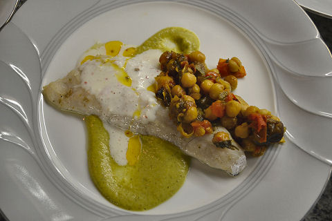Hake with Chickpeas in Sofreito