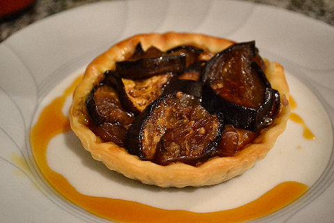 Caramelized eggplant tartlet