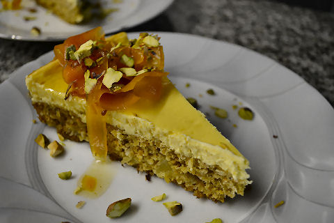 Carrotcake with Orange-Ginger Cheesecake topping
