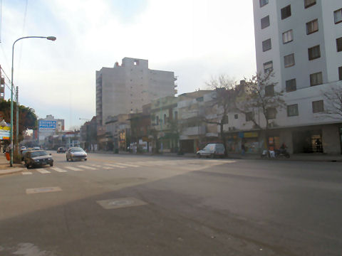 Walk along Avenida Alvarez Thomas