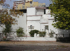 An interesting Art Deco-ish house along Victor Hugo in Liniers