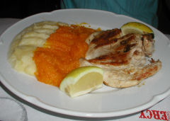 Cafe Bercy - grilled chicken with pure mixto