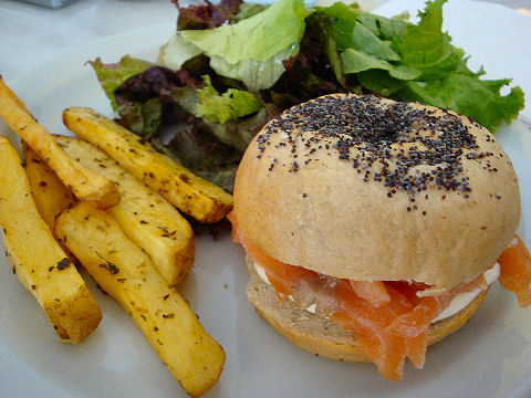 Cafe Crespin - bagel with salmon