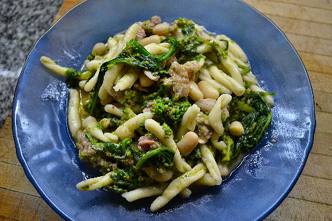 Casareccia with sausage and broccoli rabe