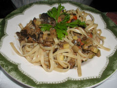 La Olla de Felix - pasta with mushrooms and vegetable ragout