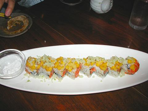 Kanoyama - spicy tuna roll with corn tempura