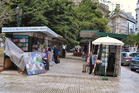 Plaza Lavalle - booksellers