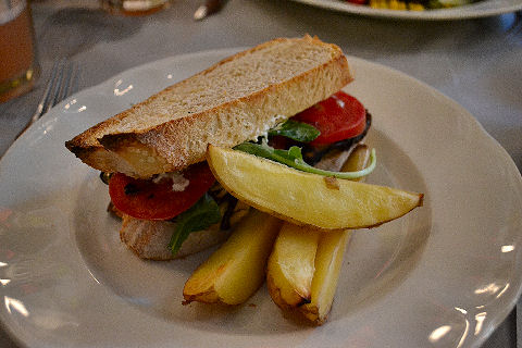 Magendie - vegetable sandwich