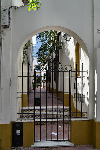 Montaneses gate