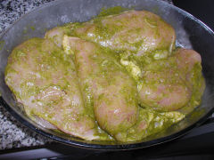 Chicken breasts marinating in quirquina and citrus juices