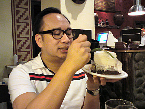 Huy tries a Torta Querencia