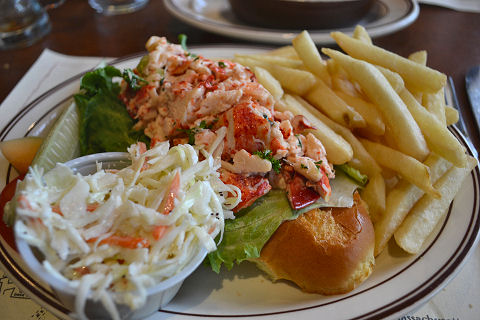 Union Oyster House - lobster roll