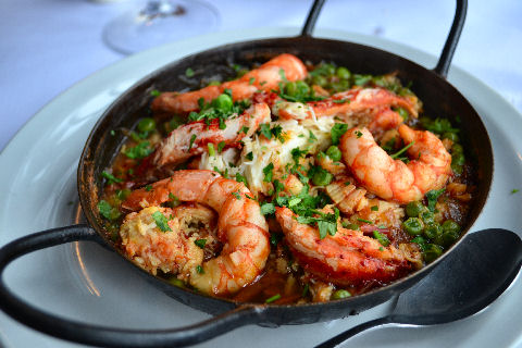 Volver - king crab and prawn casserole