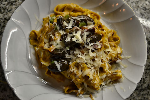 Fettucine with lamb and sundried tomato carbonara