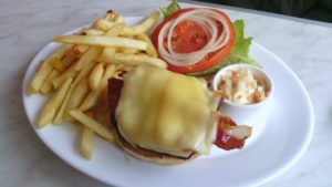 trixie---smokehouse-burger_7700820530_o