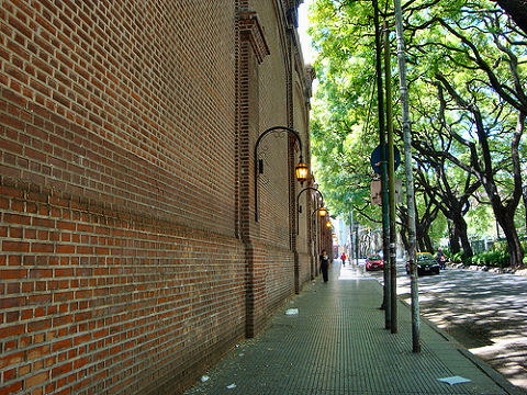 Vicente Lopez walk